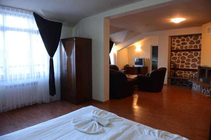 Holiday Group Hotel