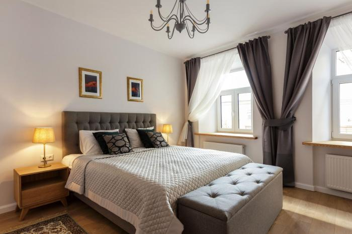 Stylish Modern Studio Apartments Old Town by Houseys