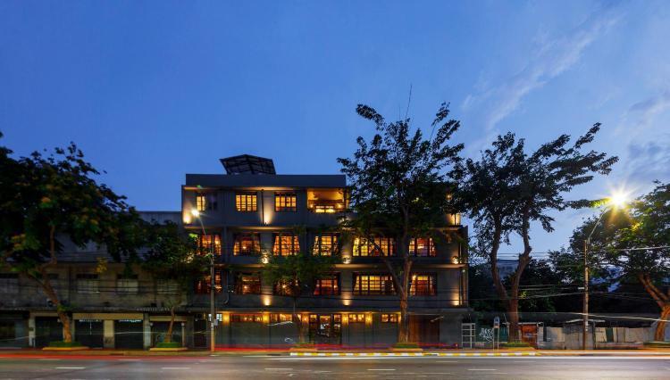 31-33-35-37-37/1 Lan Luang Road, Wat Sommanat, Pom Prap Sattru Phai, Bangkok. 10100 Thailand.