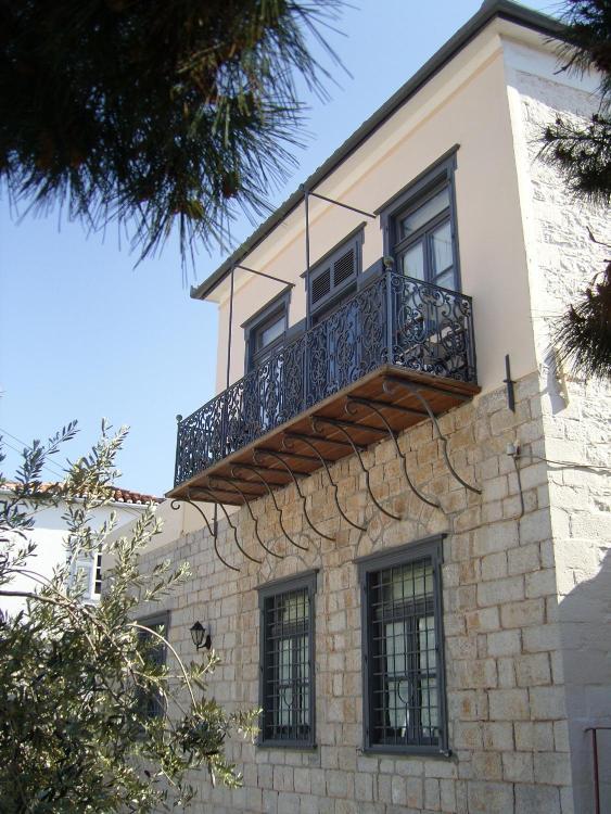 Hydra, Hydra, 18040, Greece.