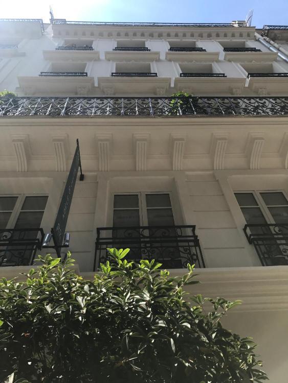 2 et 4bis Cité Rougemont, 75009 Paris, France.