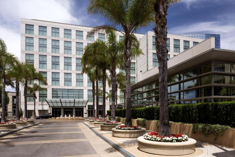 050 University Ave, East Palo Alto, CA 94303, United States.