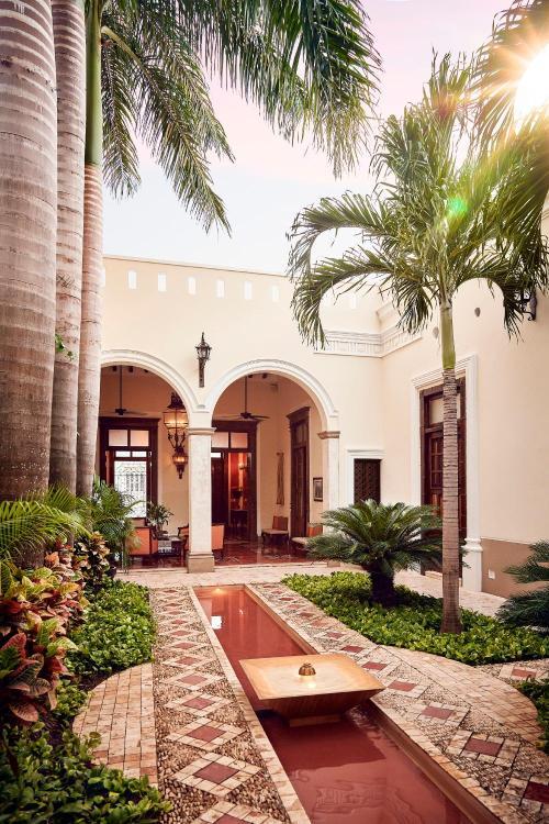 Por la 54 y 56, Calle 47, #471, Centro, 97000 Mérida, Yucatán, Mexico.
