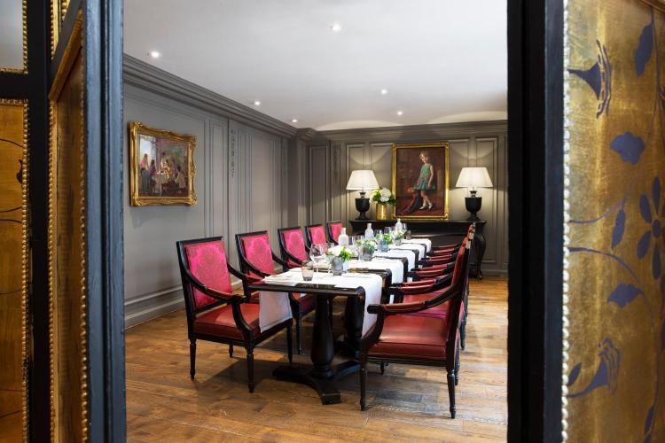 33-37 Rue Cambon, 75001 Paris, France.