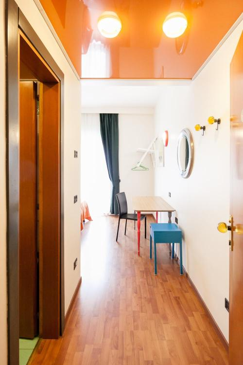 Via Roberto Lepetit, 33, 20124 Milano, Italy.