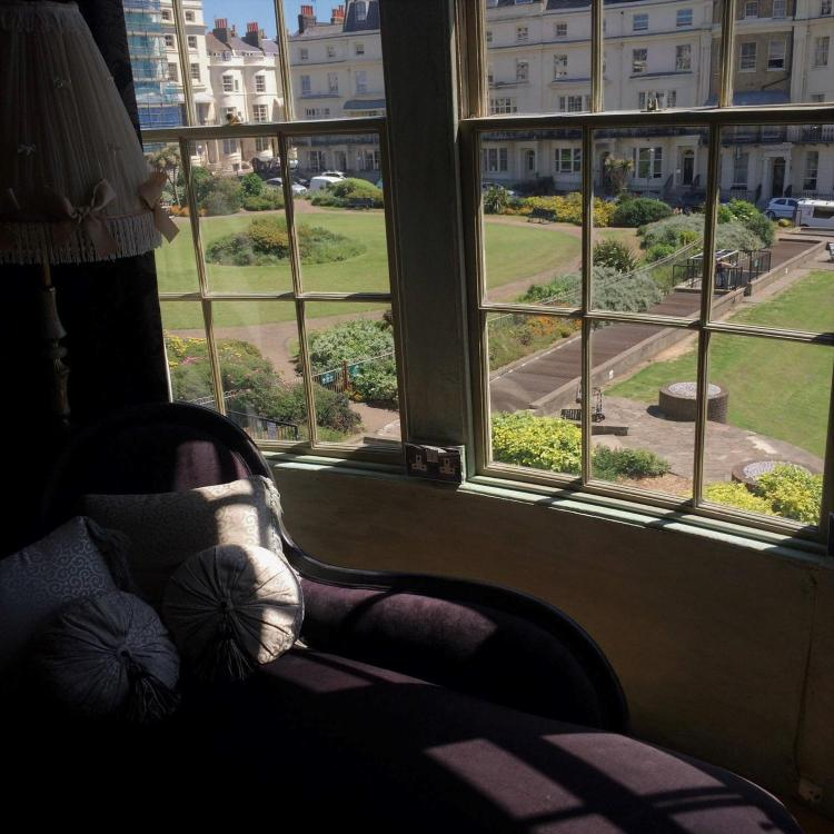 10 Regency Square, Brighton and Hove, BN1 2FG, England.
