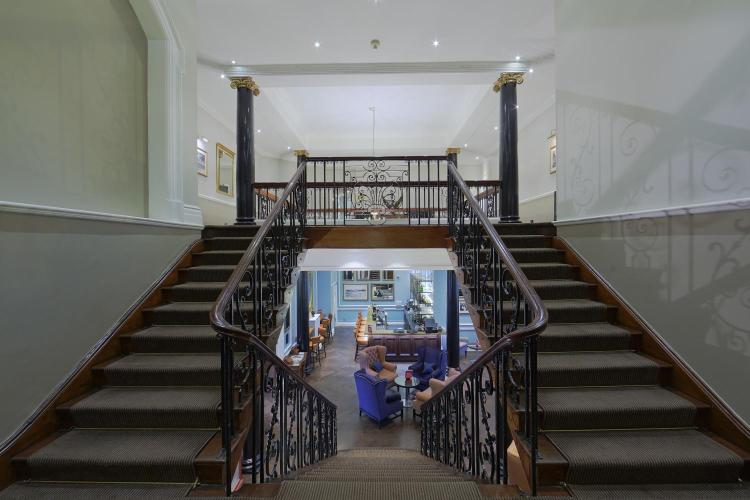 Cannizaro House, West Side Common, London SW19 4UE, England.