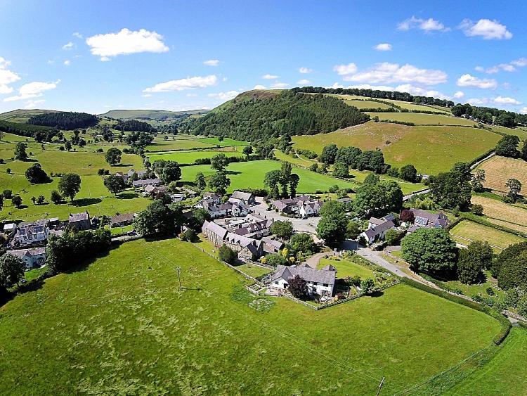 Llanarmon Dyffryn Ceiriog, Llangollen LL20 7LD, Wales.