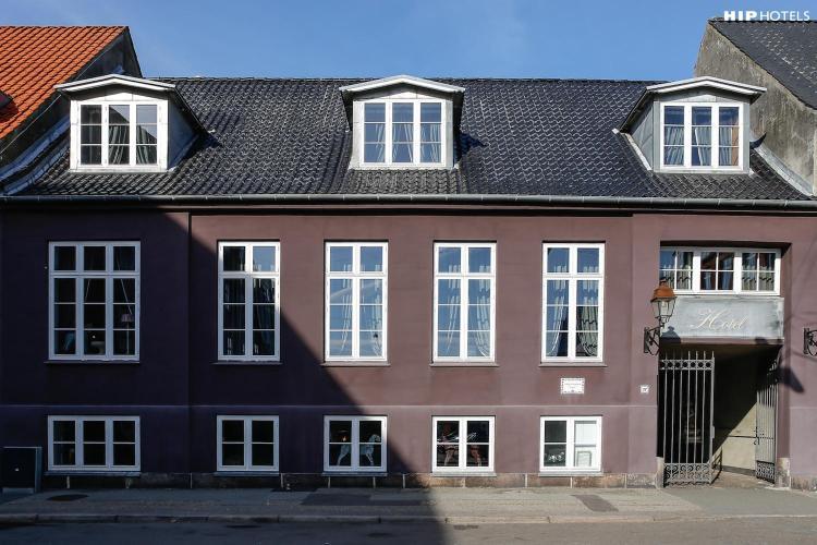 Fredens Torv 12, 8000 Aarhus C, Denmark.