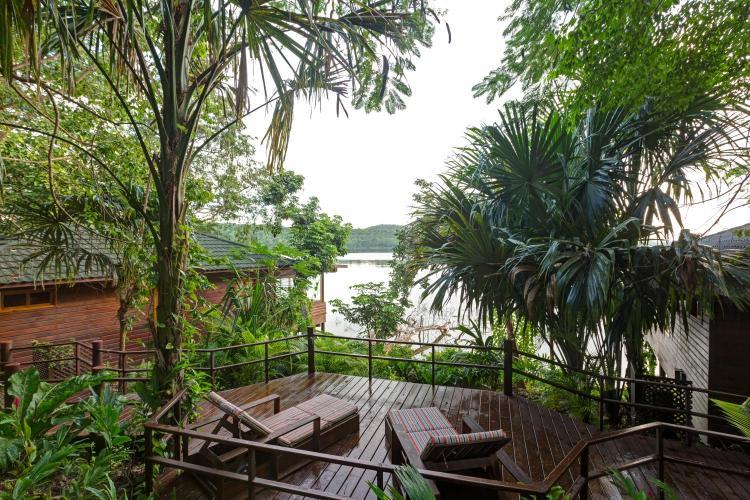Laguna Quexil, Desarrollo de Tayasal Flores, Petén, Guatemala.