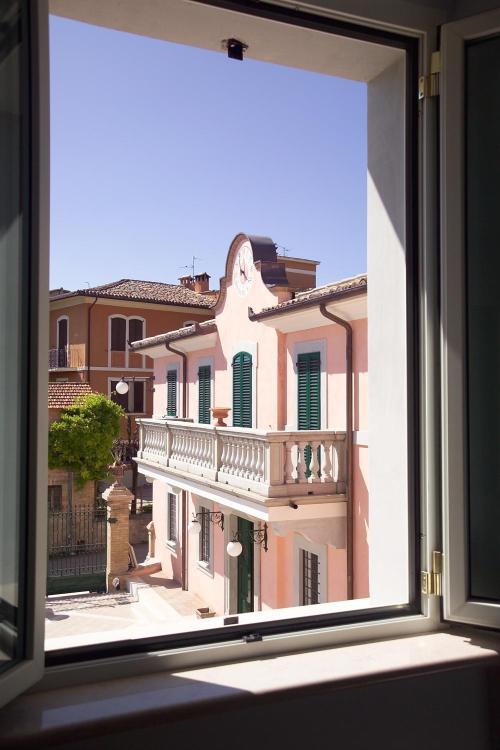 Loc. San Luca, 06036 Montefalco PG, Umbria, Italy.
