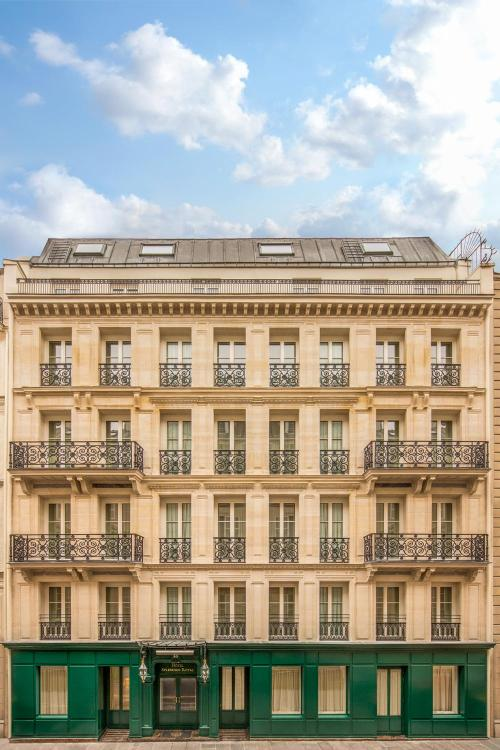 18 Rue du Cirque, 75008 Paris, France.