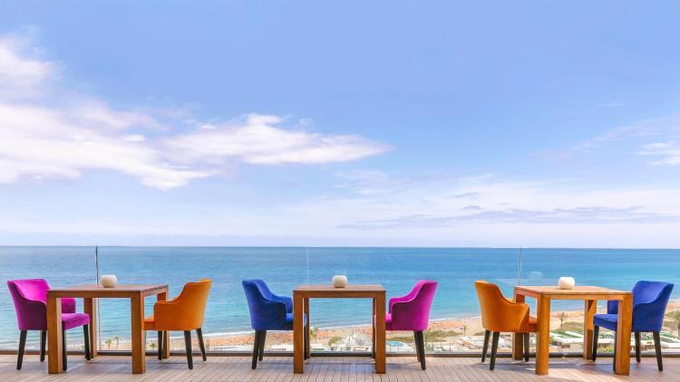 Avenida Estados Unidos, 28, 35100 Playa del Ingles, Spain.
