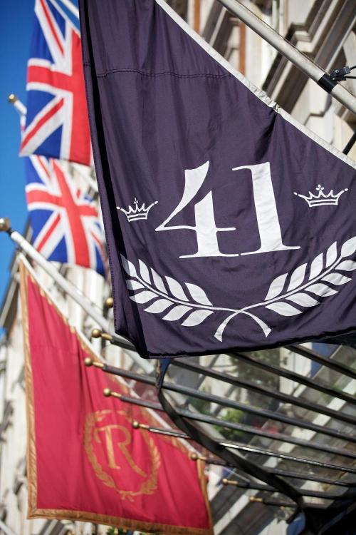 41 Buckingham Palace Road, London SW1W 0PS.