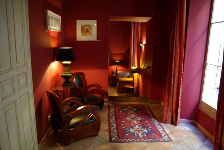 5-7 rue Diderot, 13200, Arles, France.