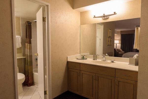 105 E Harmon Avenue, Las Vegas, Nevada NV89109, United States.