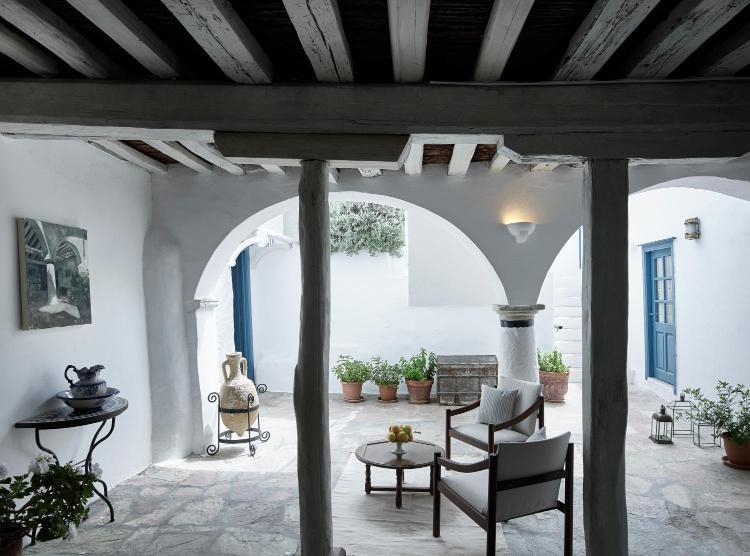 9, Rafalia Street, Hydra, 18040, Greece.
