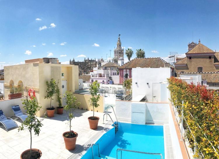 Calle Gloria 3, 41004, Seville, Spain.