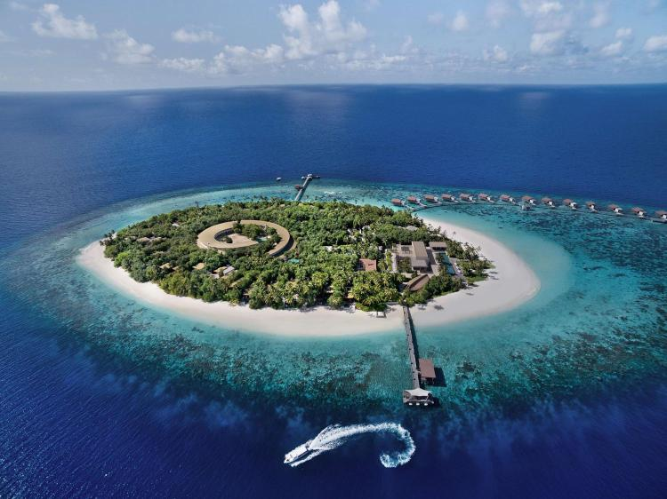 North Huvadhoo   Gemanafushi, 99999, Maldives.