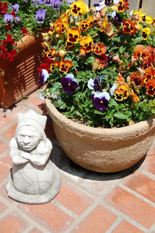36 W Valerio Street, Santa Barbara, CA 93101, United States.