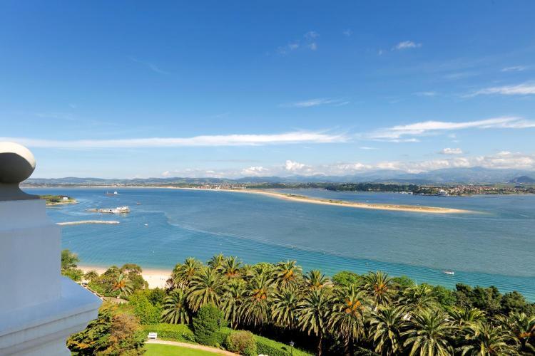 Paseo Pérez Galdós 28, 39005 Santander, Cantabria, Spain.