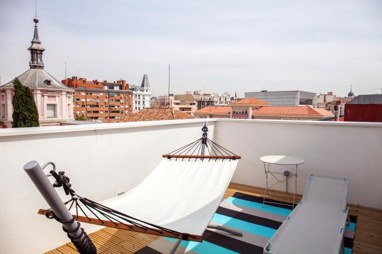 Calle San Mateo 3, 28004 Madrid, Spain.
