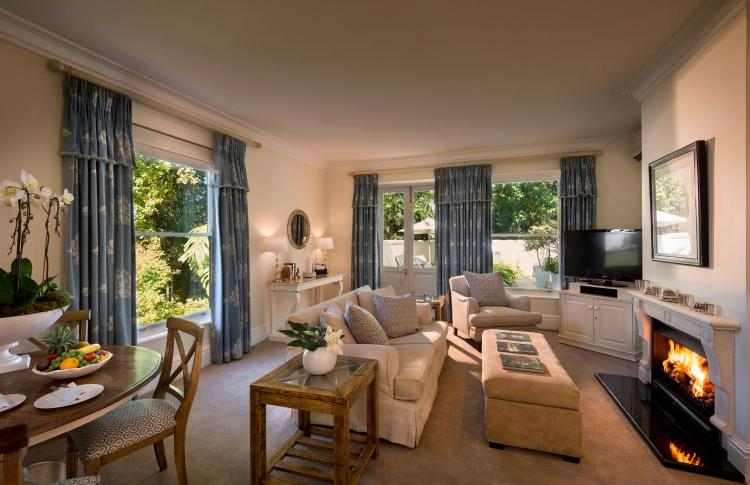 93 Brommersvlei Road, Constantia, Cape Town, 7806, South Africa.
