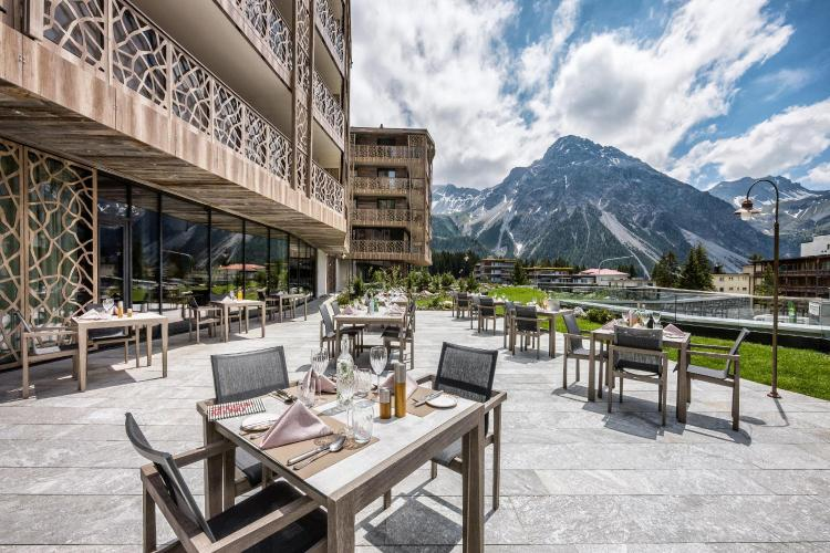 Oberseepromenade 2, CH-7050 Arosa, Switzerland.