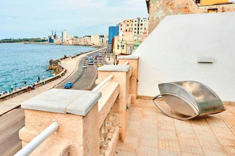 663 Malecon, La Habana, Cuba.