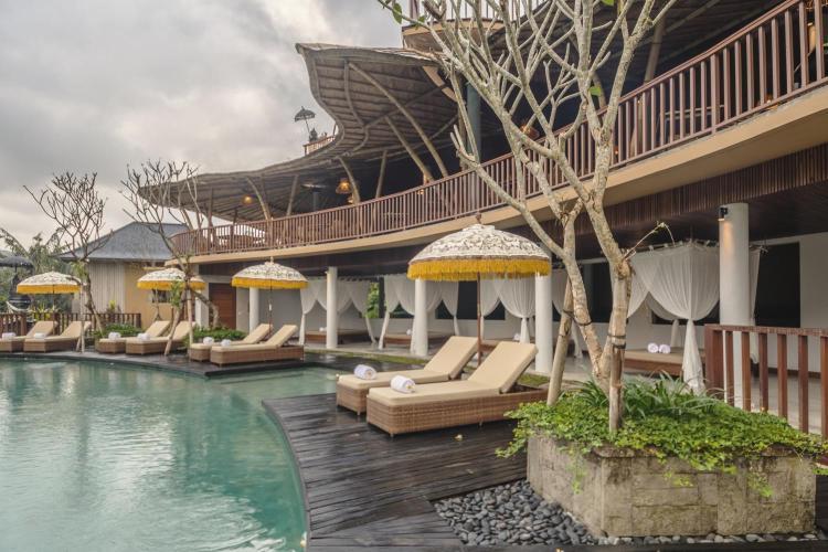 Banjar Dinas, Jl. Raya Tebola, Telaga Tawang, Sidemen, Kabupaten Karangasem, Bali 80864, Indonesia.