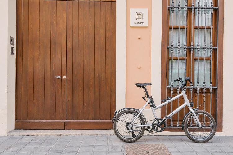 Carrer de la Barraca, 79, 46011 València, Spain.