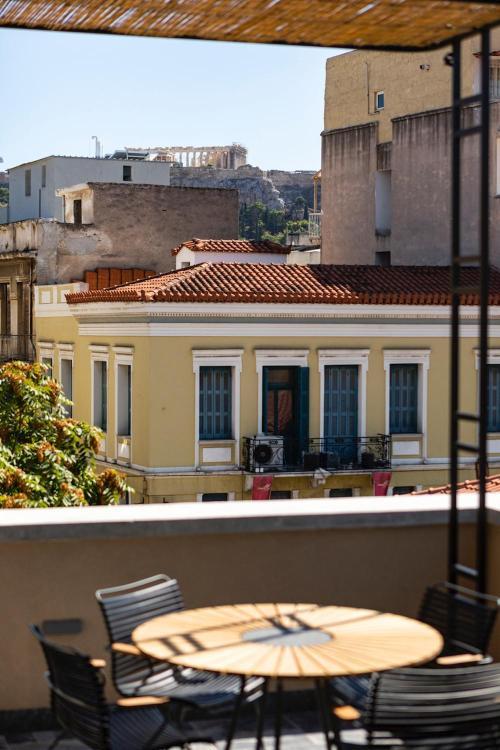40 Sarri Street, Psirri, Athens 10560, Greece.
