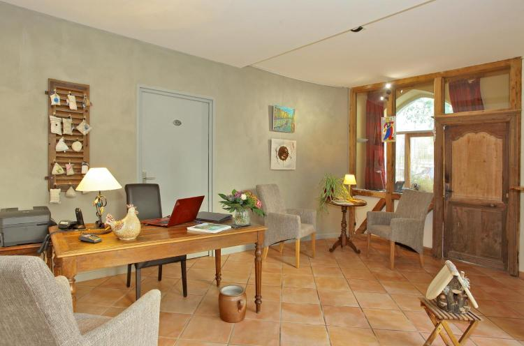14 Place de l'Estang, 46100 Figeac, Lot, France.