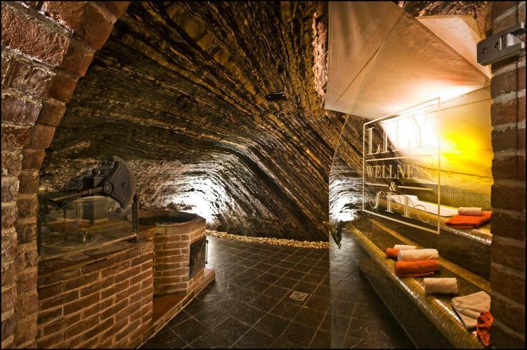 Pod Bruskou 7, Prague, 11800, Czech Republic.