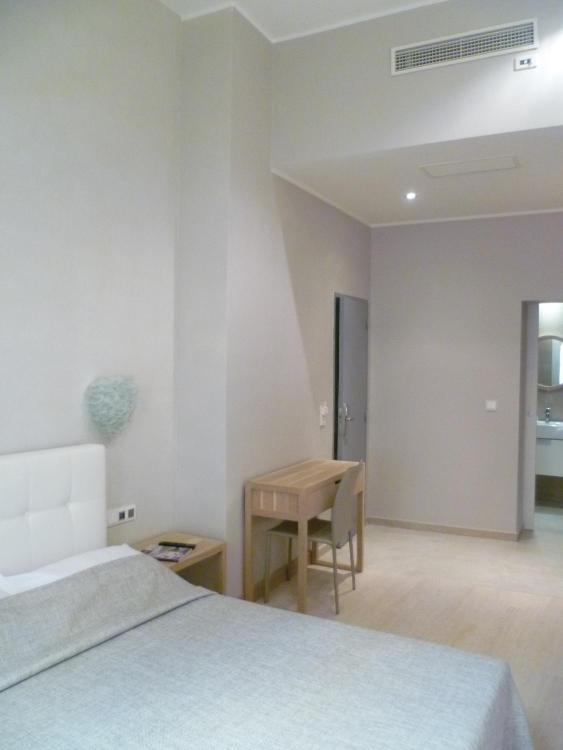 1 Rue Sainte-Reparate, 06300 Nice, France.