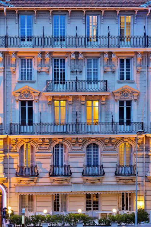 19 Avenue Durante, 06000 Nice, France.