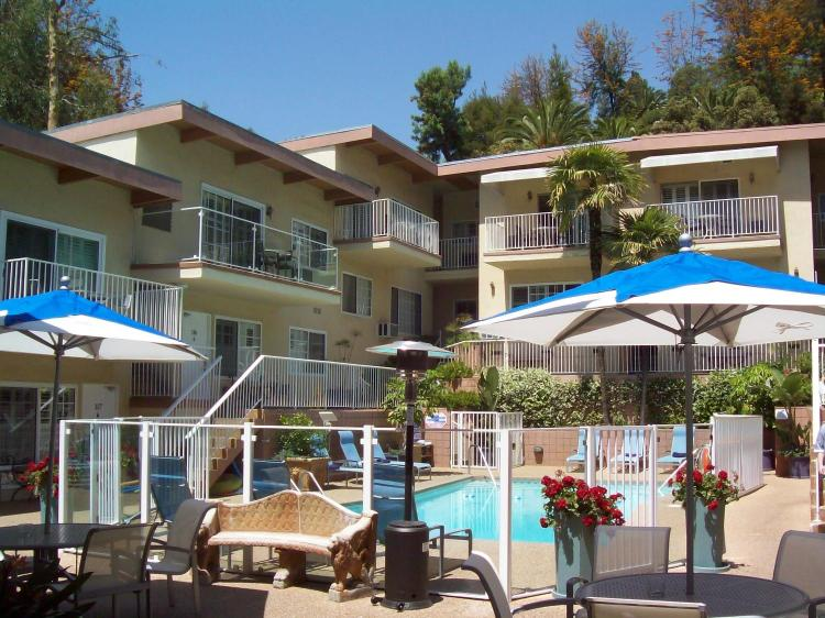 7025 Franklin Avenue, Hollywood, Los Angeles, CA 90028, USA.