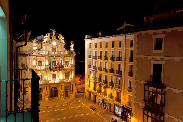Calle de Santo Domingo 19, Pamplona, 31001 Spain.