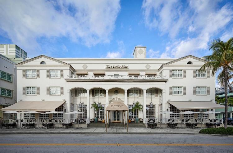 1440 Ocean Drive, Miami Beach, Florida, USA, FL 33139.