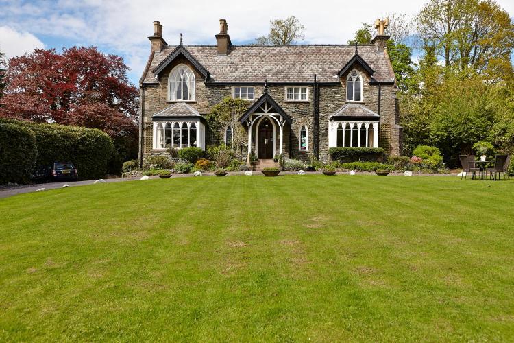Ambleside Road, LAke Windermere, Lake District, Cumbria LA23 1AX, England.