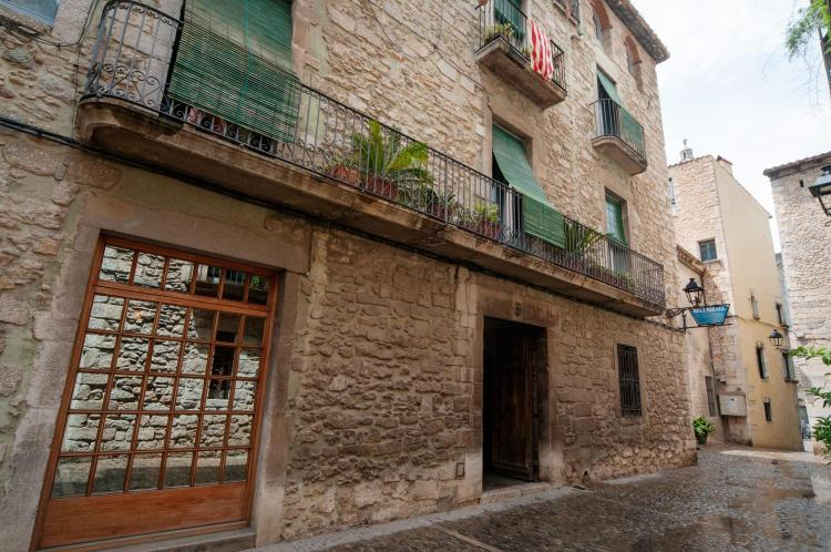 Carrer del Bellmirall 3, 17004, Girona, Spain.
