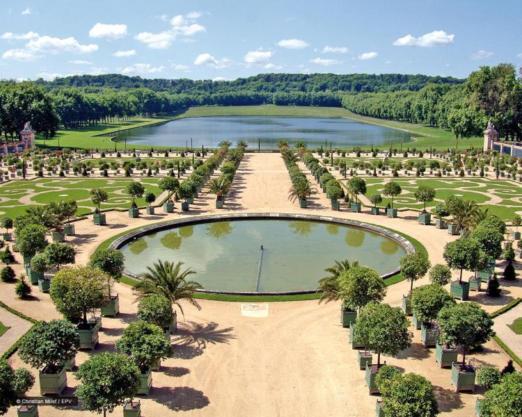 1, Boulevard de la Reine, Versailles, 78000, France.