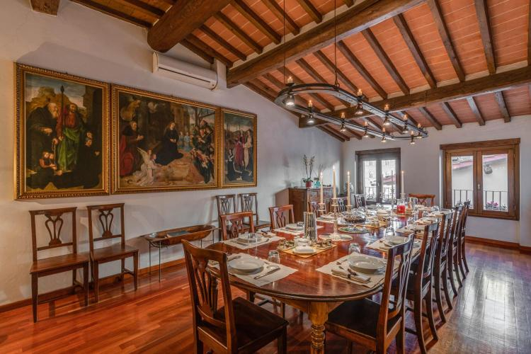 Via dei Magazzini, 2 - 50122 Florence, Italy.