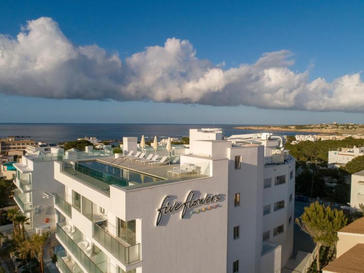 Calle Fonoll Marí 84, 07871 Es Pujols, Formentera, Balearic Islands, Spain.