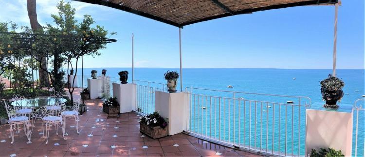 Via Cristoforo Colombo 56, 84017, Positano, Salerno, Italy.