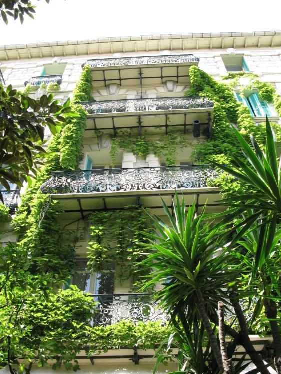 11, Rue Dalpozzo, 06000 Nice, France.