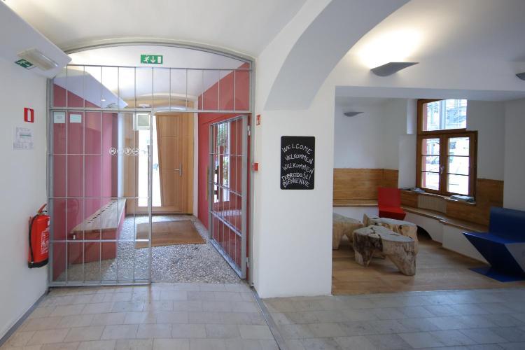 Metelkova 8, SI 1000 Ljubljana, Slovenia.
