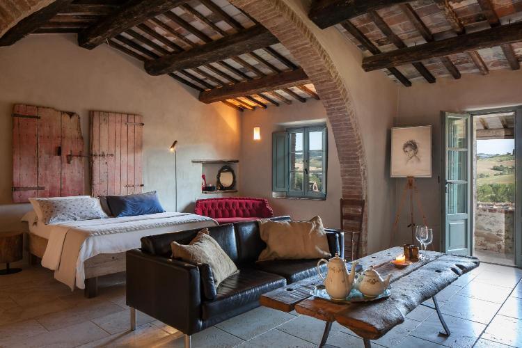 Località Casale 2, 53049 Montefollonico, Torrita di Siena, Tuscany, Italy.