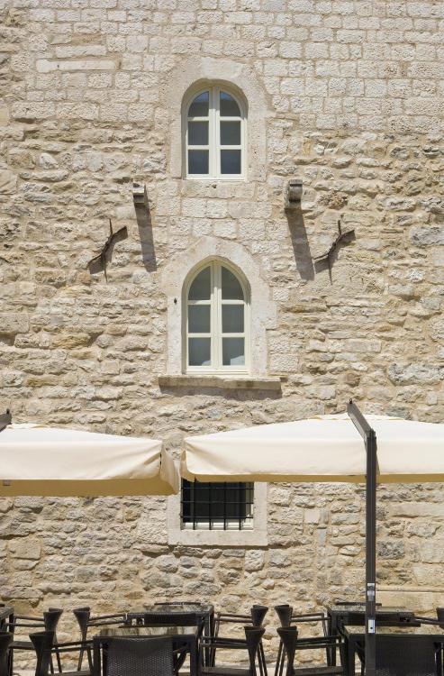 Iza Vestibula 4, Split 21000, Croatia.