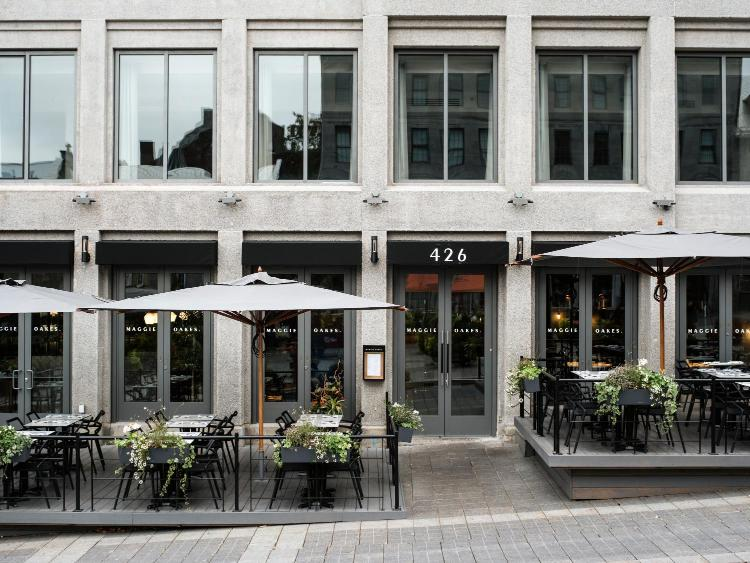 421 Rue Saint Vincent, Montréal, QC H2Y 3A6, Canada.